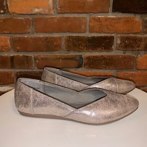 Coach And Four Metallic Flats Size 6